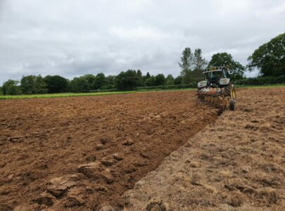 Autumn ploughing of production beds